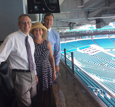Bill-Stoller-Express-Founder-Visits-Miami-Lakes-Franchise